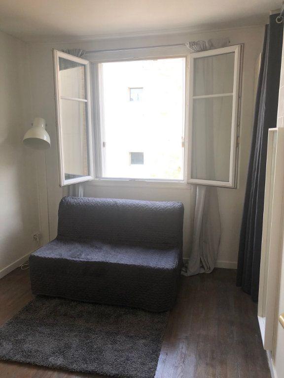 Appartement à louer 2 23.26m2 à Levallois-Perret vignette-1