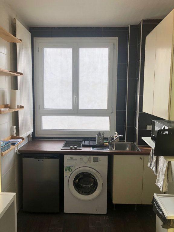 Appartement à louer 2 23.26m2 à Levallois-Perret vignette-3