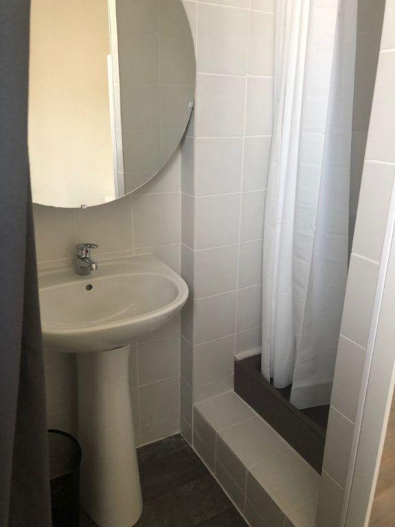 Appartement à louer 2 23.26m2 à Levallois-Perret vignette-4