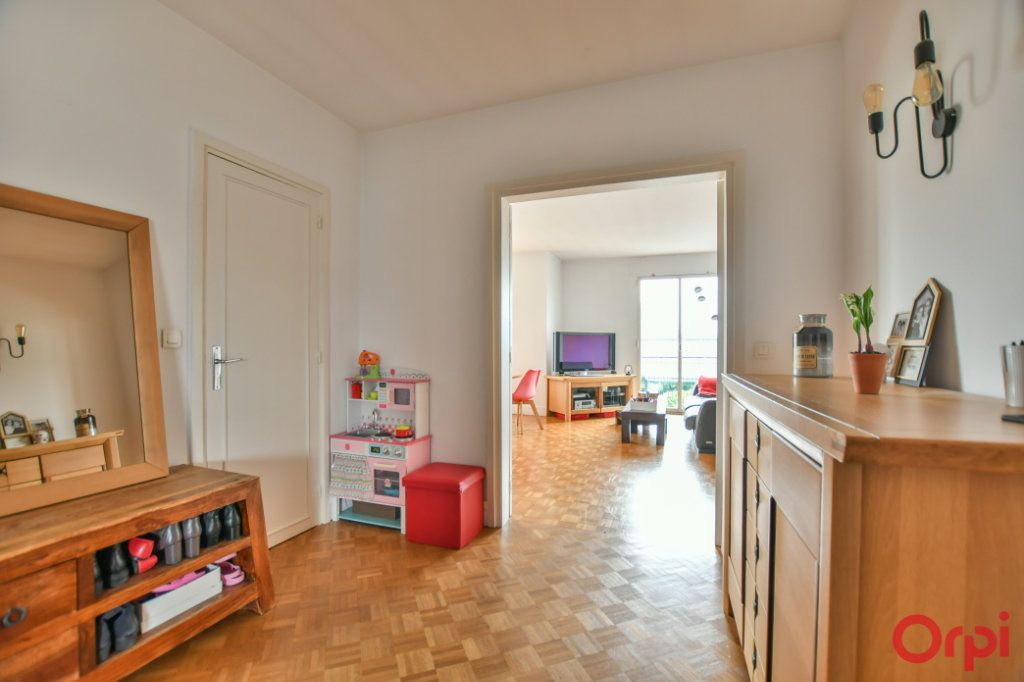 Appartement à vendre 4 88.43m2 à Levallois-Perret vignette-4