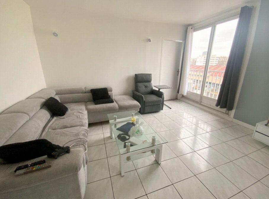 Appartement à vendre 3 66m2 à Aubervilliers vignette-3