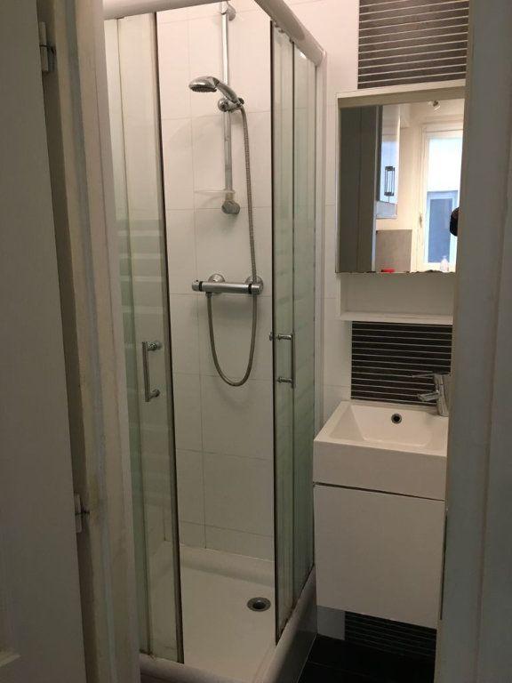 Appartement à louer 2 30m2 à Levallois-Perret vignette-3