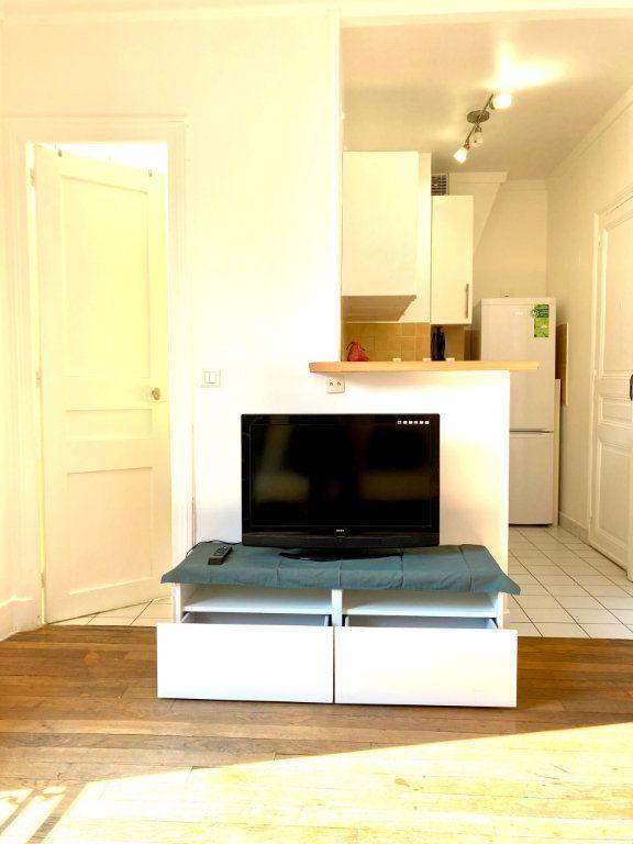 Appartement à louer 2 30m2 à Levallois-Perret vignette-2