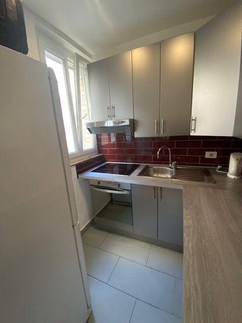 Appartement à louer 2 36m2 à Levallois-Perret vignette-2