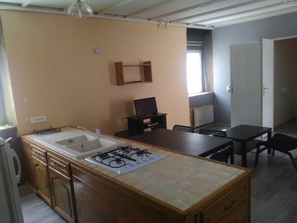 Appartement à louer 1 41.14m2 à Meyrannes vignette-1