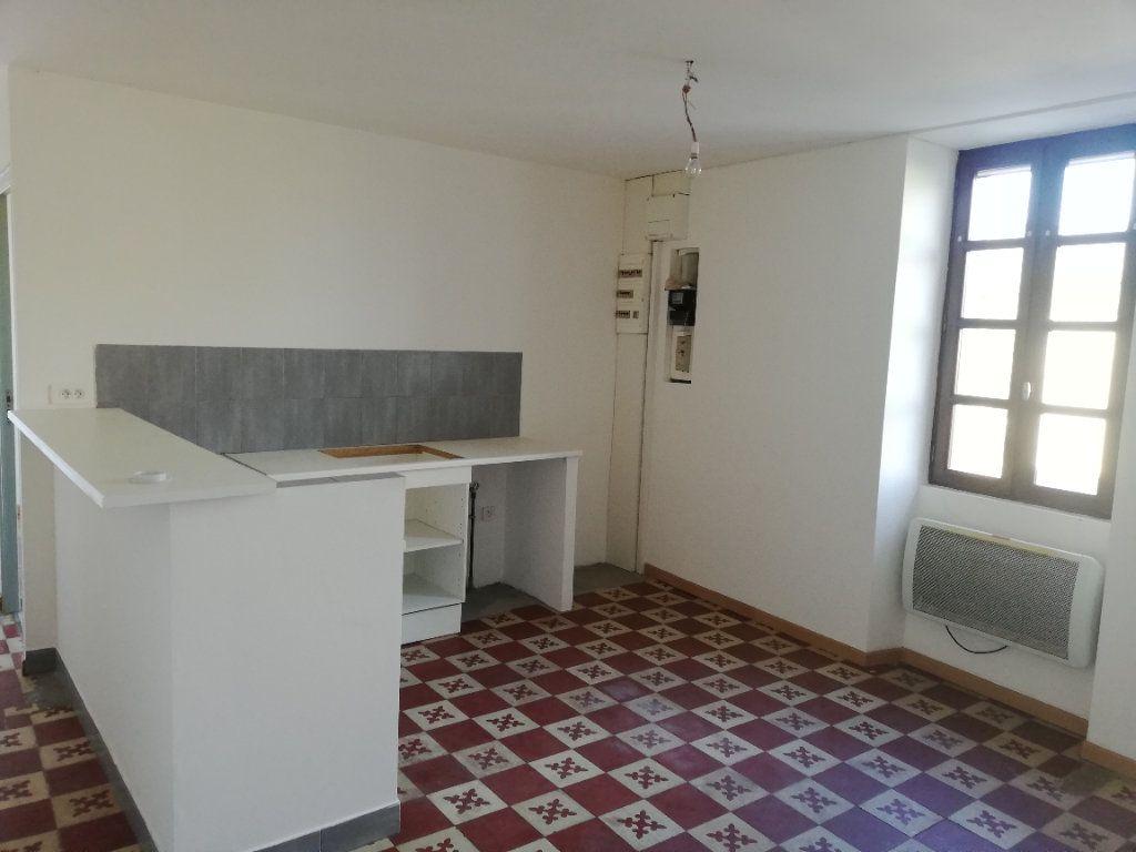 Maison à louer 3 45m2 à Molières-sur-Cèze vignette-4