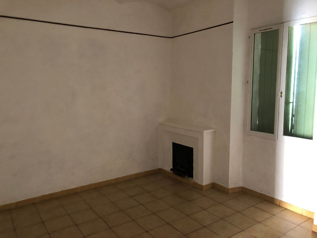 Appartement à louer 3 49m2 à Meyrannes vignette-1