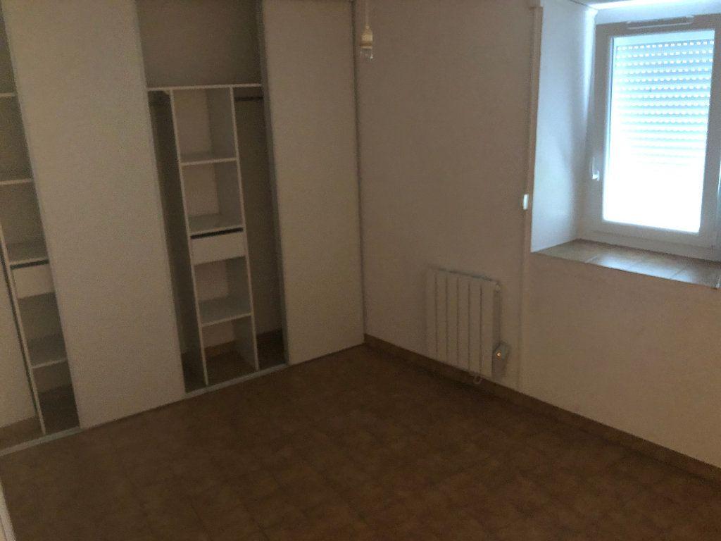 Appartement à louer 2 40.56m2 à Saint-Ambroix vignette-3