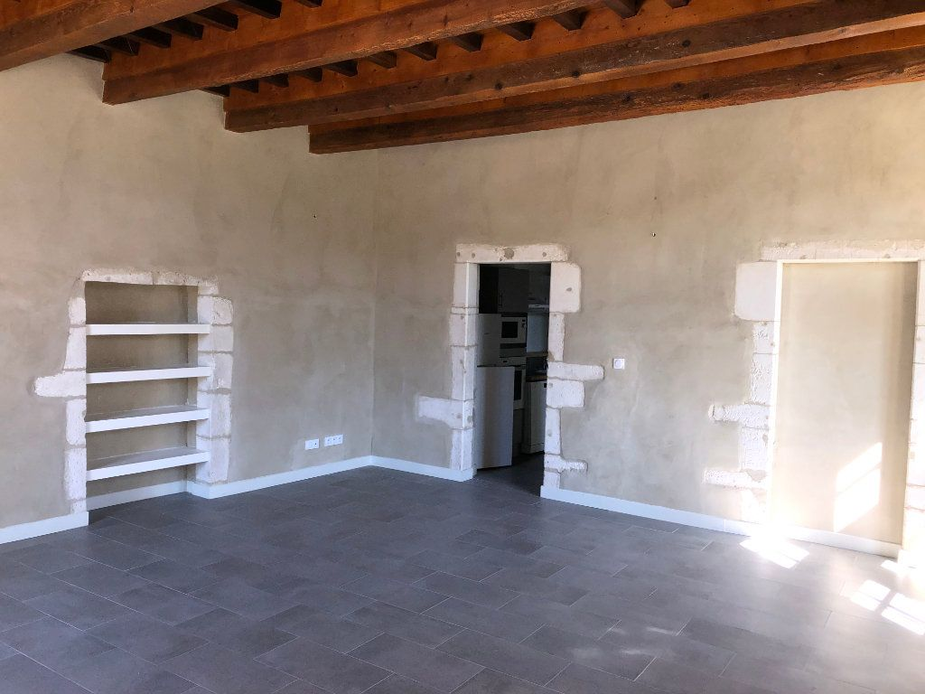 Appartement à louer 3 78m2 à Lussan vignette-4