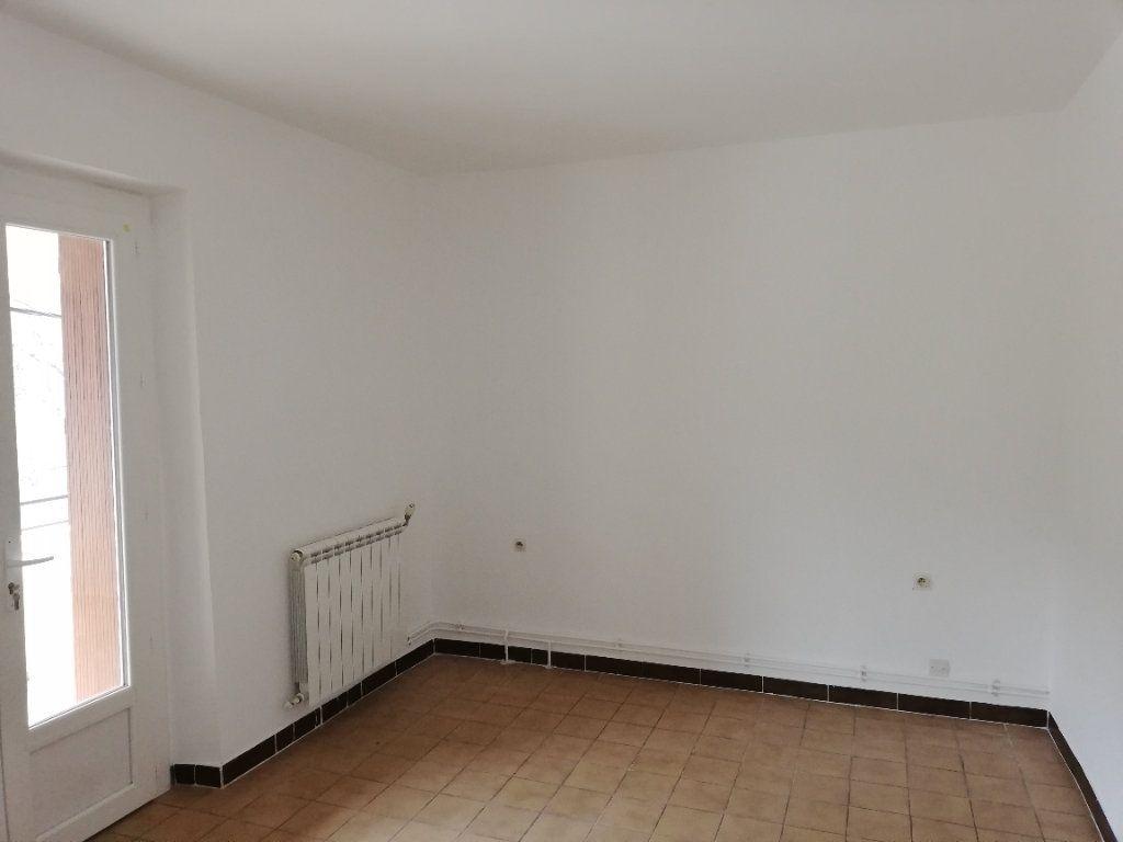 Appartement à louer 3 69m2 à Meyrannes vignette-5