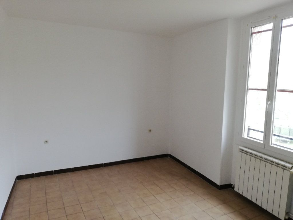 Appartement à louer 3 69m2 à Meyrannes vignette-7