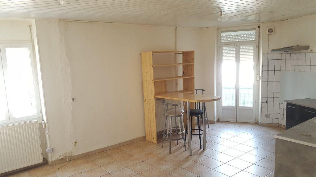 Appartement à louer 3 51.92m2 à Saint-Ambroix vignette-3