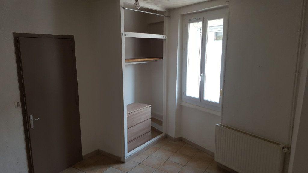 Appartement à louer 3 51.92m2 à Saint-Ambroix vignette-6