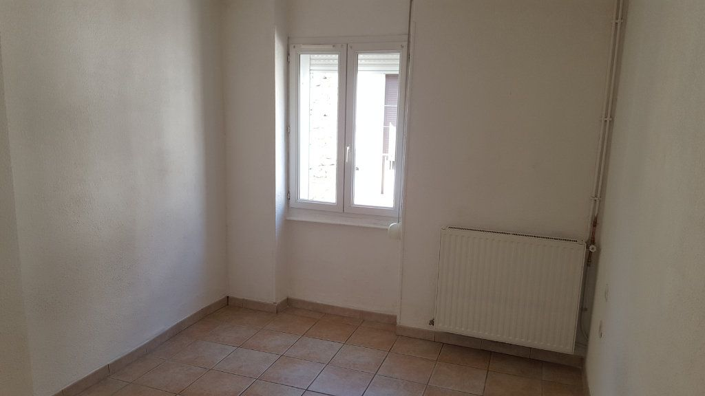 Appartement à louer 3 51.92m2 à Saint-Ambroix vignette-7
