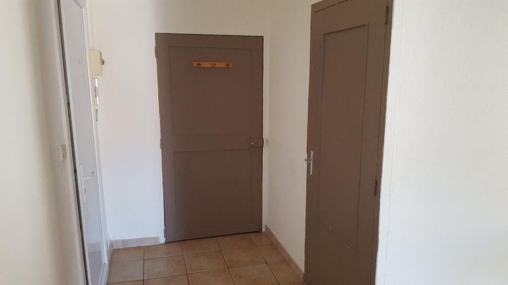 Appartement à louer 3 51.92m2 à Saint-Ambroix vignette-8