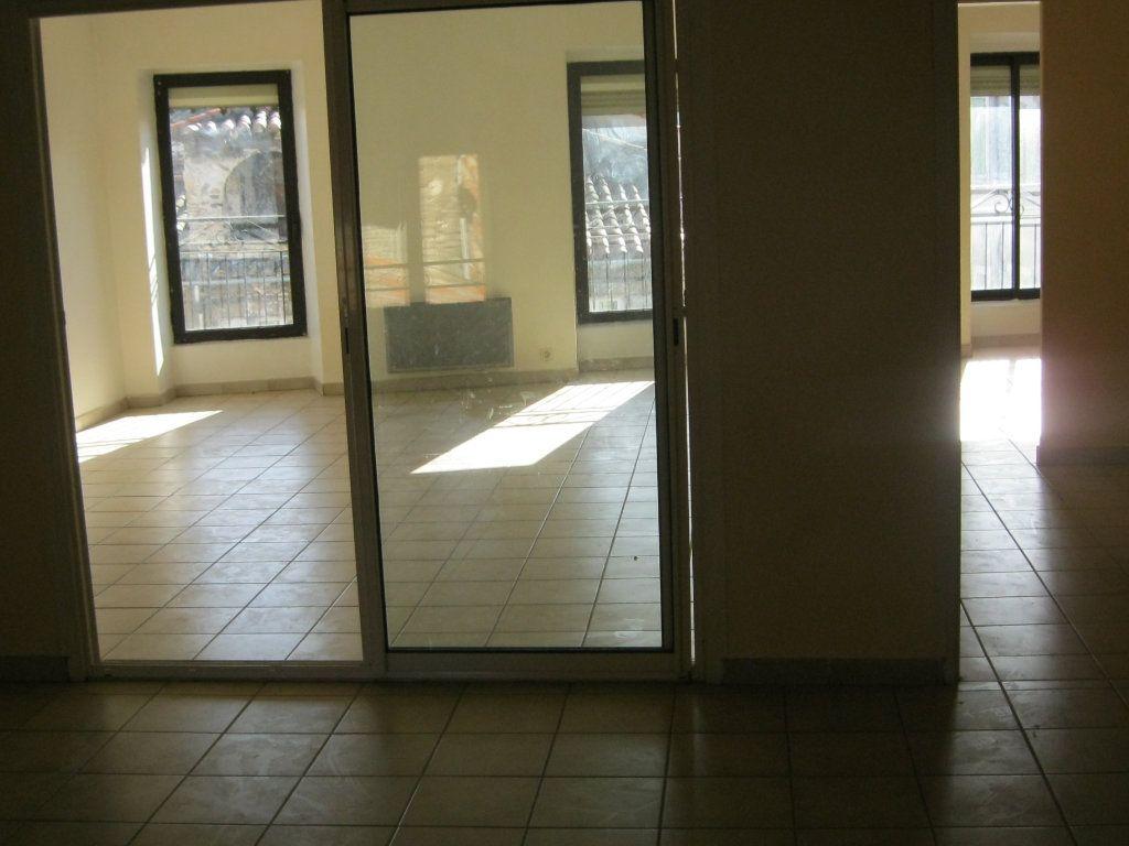 Appartement à louer 2 77.83m2 à Saint-Ambroix vignette-1