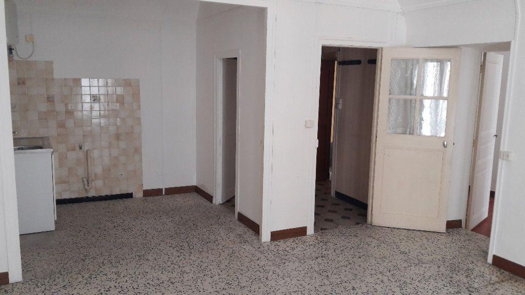 Appartement à louer 4 84m2 à Saint-Ambroix vignette-5