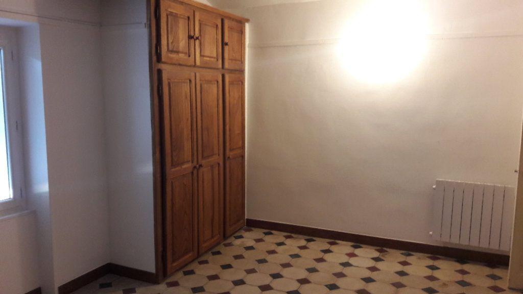Appartement à louer 4 84m2 à Saint-Ambroix vignette-6