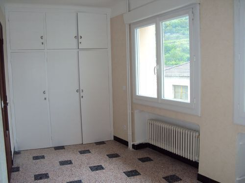 Maison à louer 4 75m2 à Saint-Ambroix vignette-12