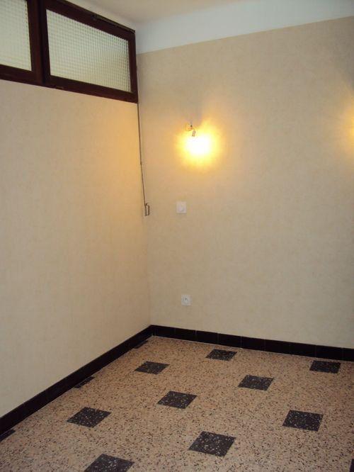 Maison à louer 4 75m2 à Saint-Ambroix vignette-14