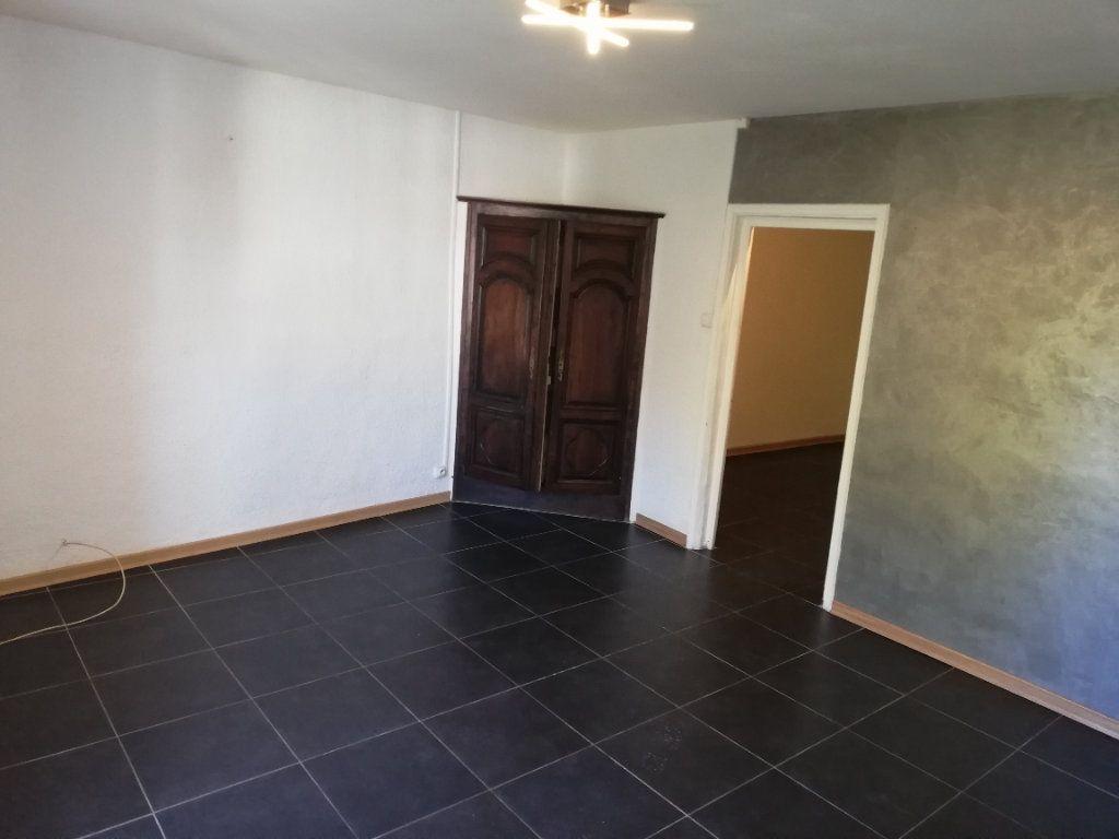 Appartement à louer 2 53.73m2 à Alès vignette-2
