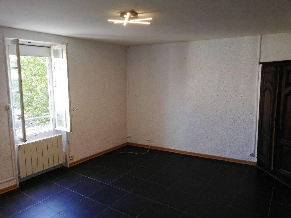 Appartement à louer 2 53.73m2 à Alès vignette-3