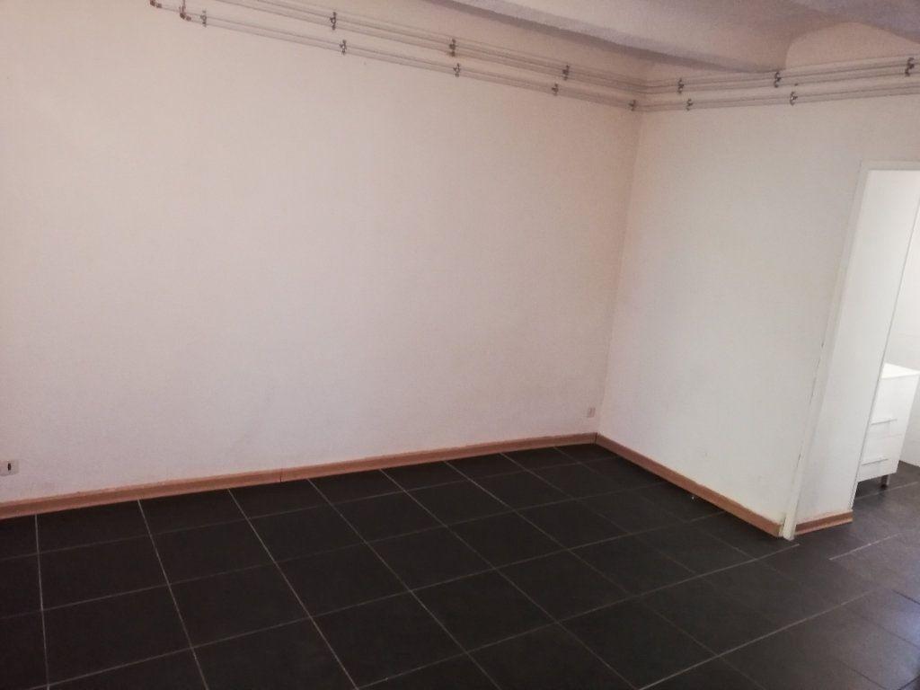 Appartement à louer 2 53.73m2 à Alès vignette-5