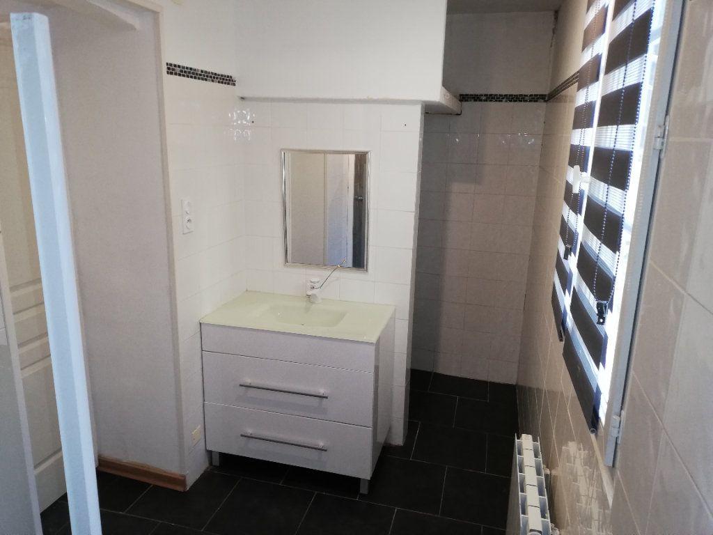 Appartement à louer 2 53.73m2 à Alès vignette-8