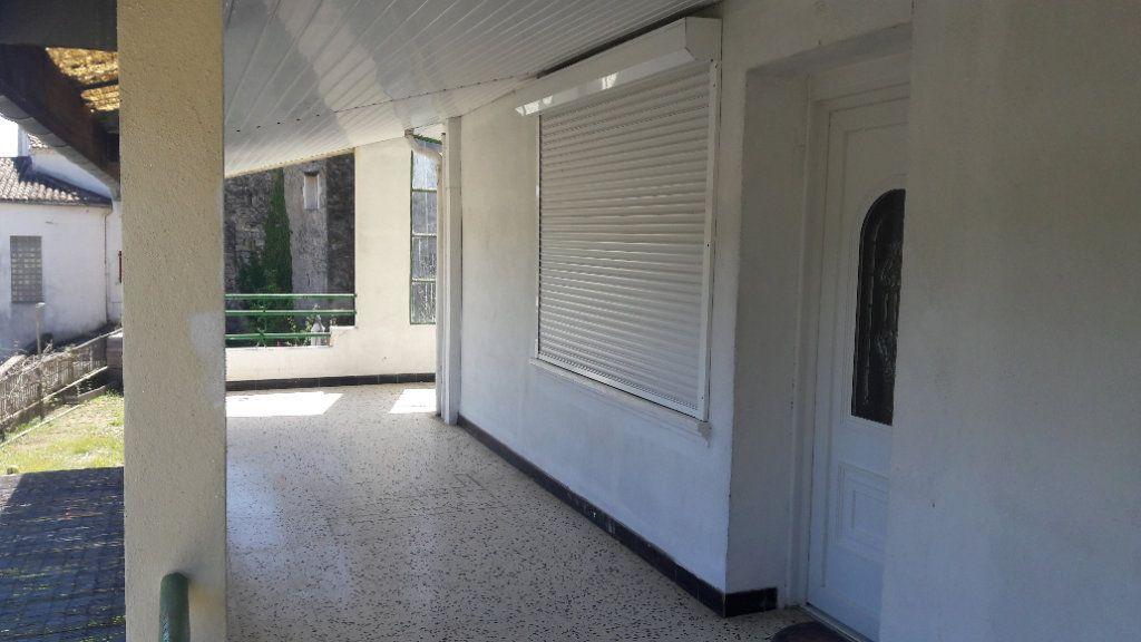 Appartement à louer 3 75.09m2 à Saint-Brès vignette-3