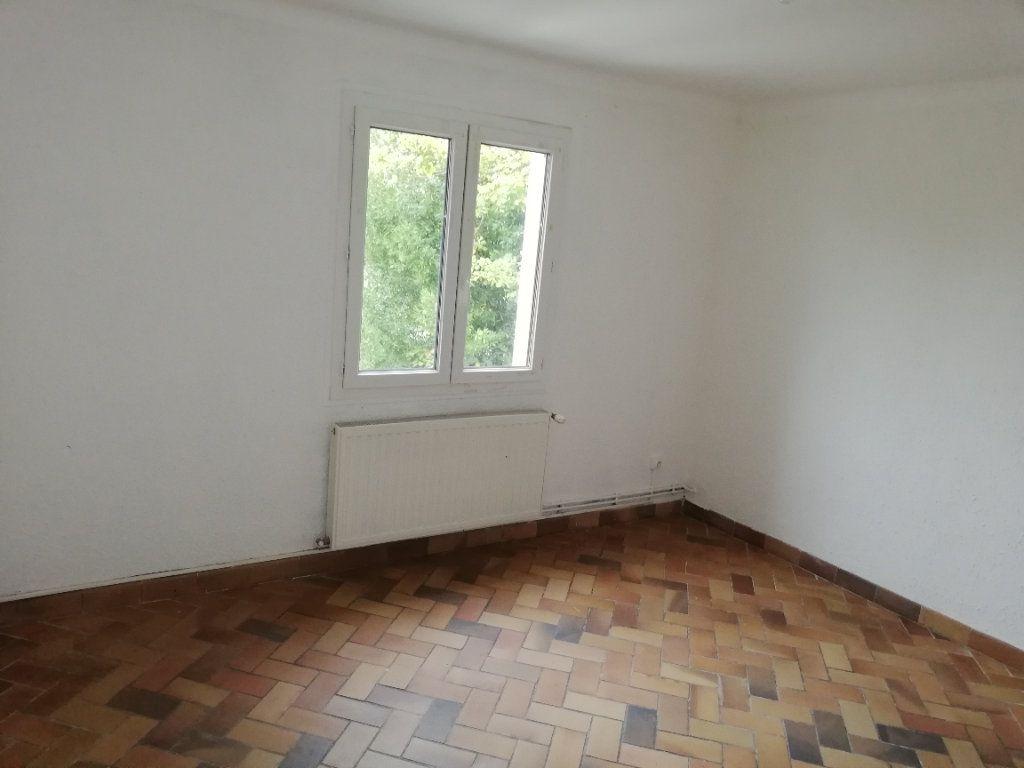 Appartement à louer 3 60.91m2 à Saint-Ambroix vignette-4