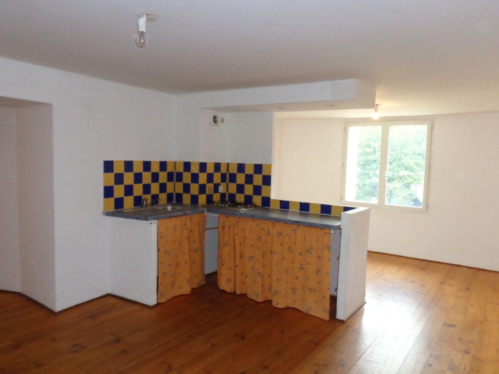 Appartement à louer 3 73.89m2 à Robiac-Rochessadoule vignette-2