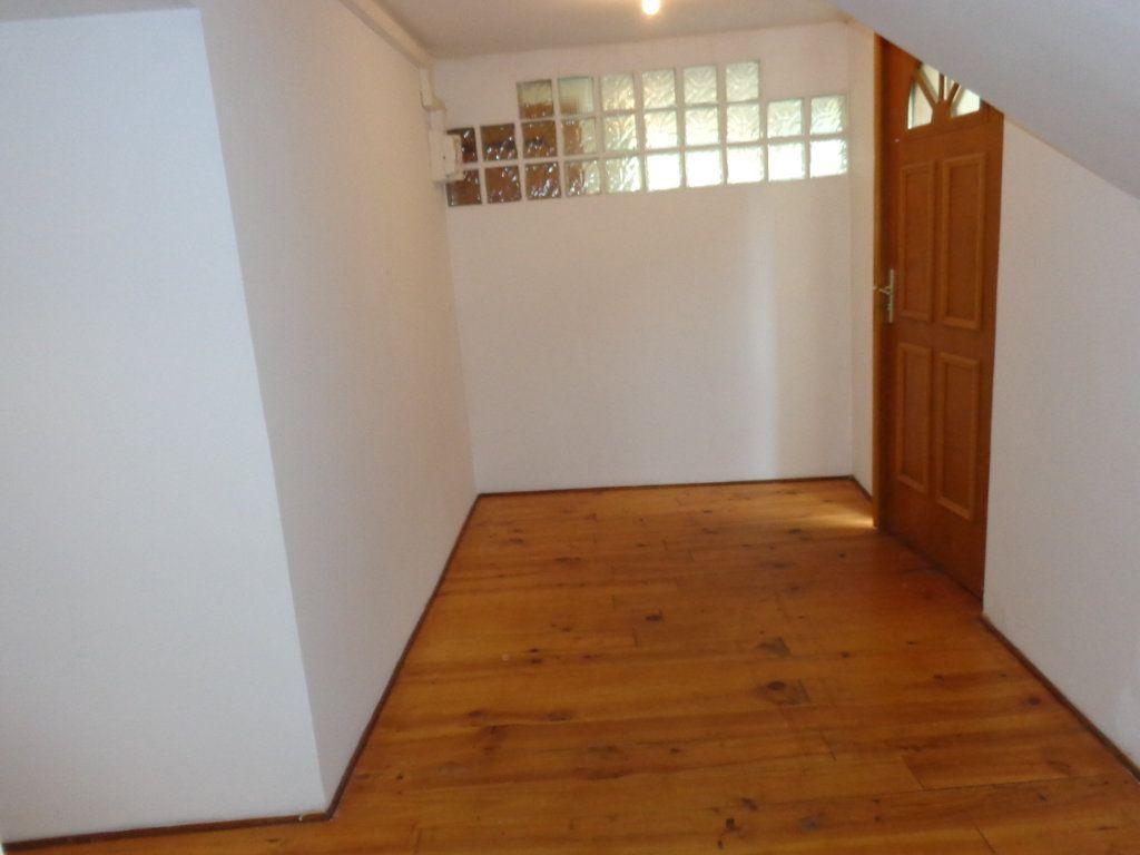 Appartement à louer 3 73.89m2 à Robiac-Rochessadoule vignette-3