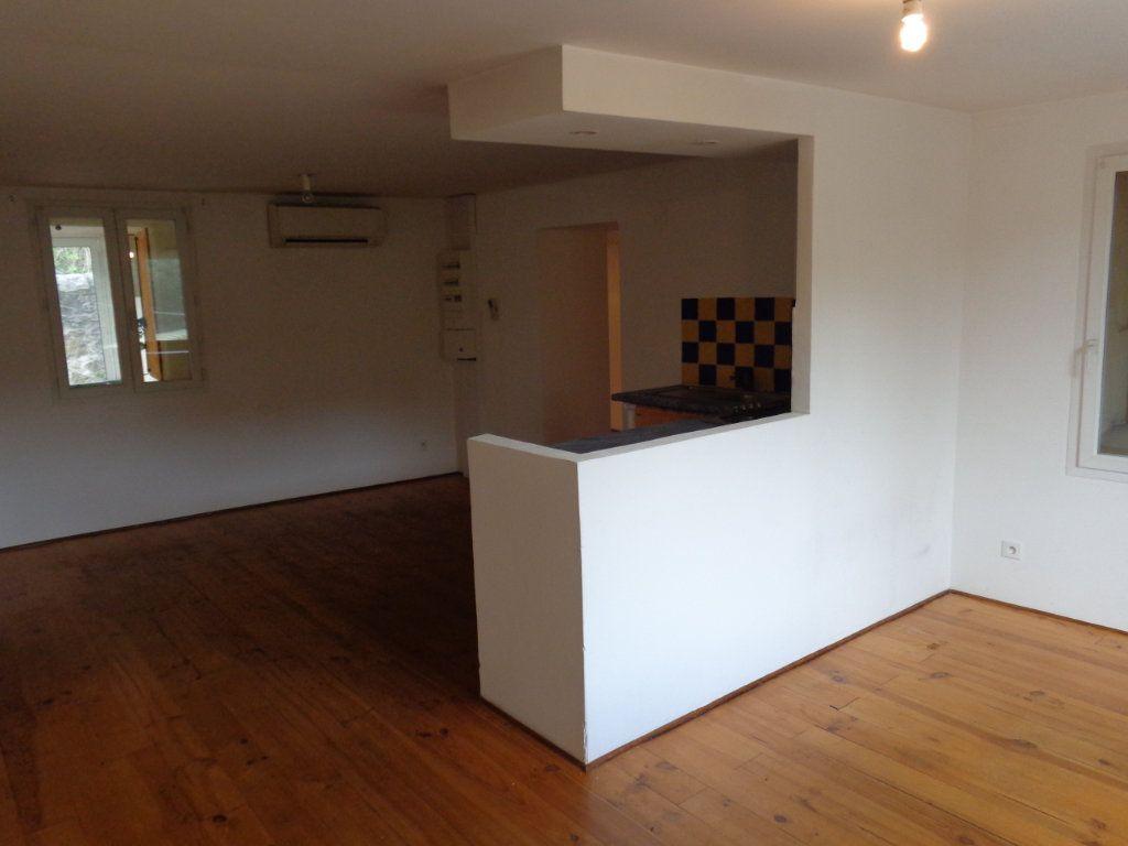 Appartement à louer 3 73.89m2 à Robiac-Rochessadoule vignette-4