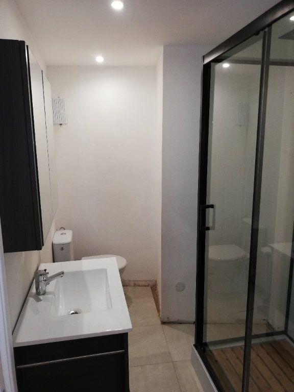 Appartement à louer 2 38m2 à Robiac-Rochessadoule vignette-2