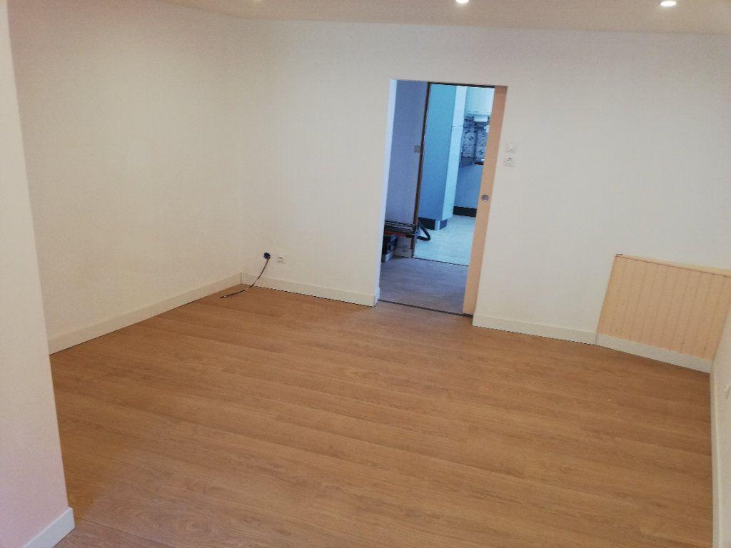 Appartement à louer 2 38m2 à Robiac-Rochessadoule vignette-7