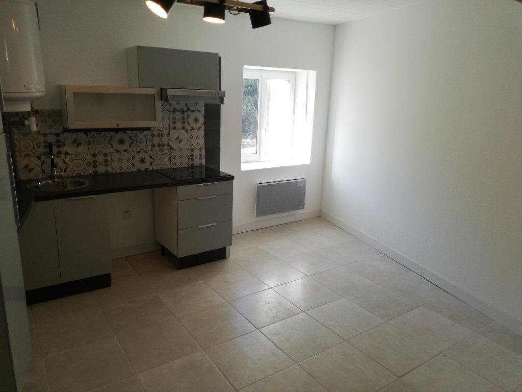 Appartement à louer 2 38m2 à Robiac-Rochessadoule vignette-10