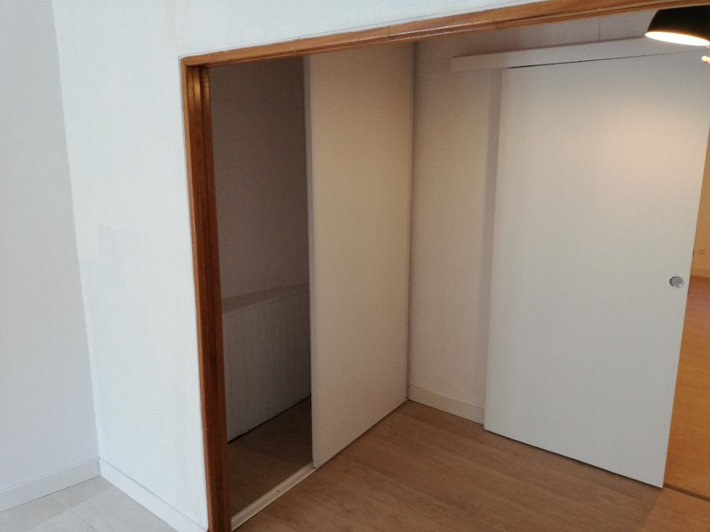 Appartement à louer 2 38m2 à Robiac-Rochessadoule vignette-12