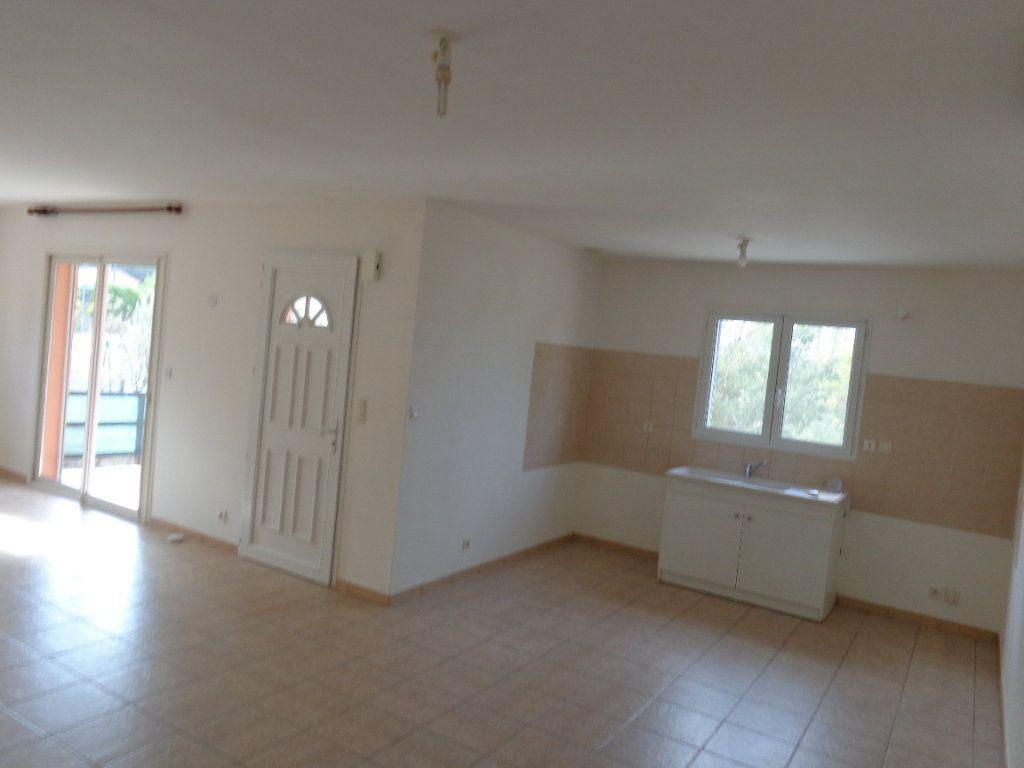 Maison à louer 4 89.82m2 à Saint-Jean-de-Maruéjols-et-Avéjan vignette-6