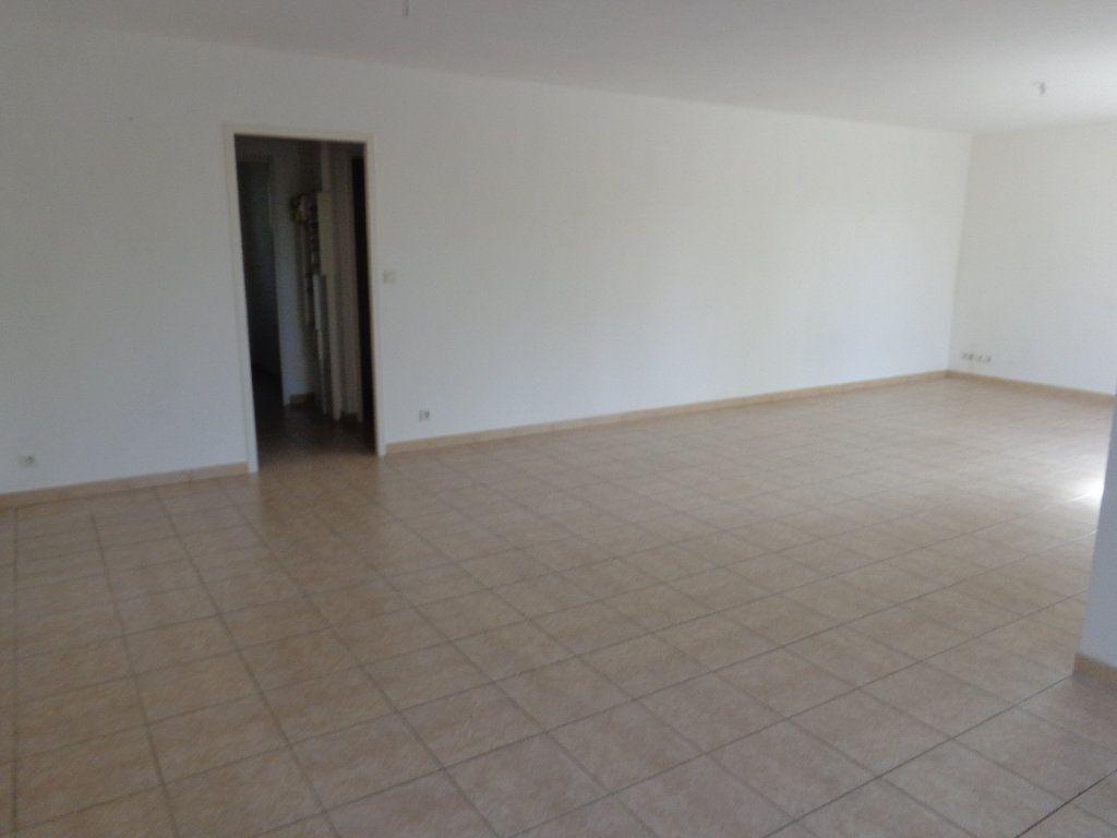 Maison à louer 4 89.82m2 à Saint-Jean-de-Maruéjols-et-Avéjan vignette-8