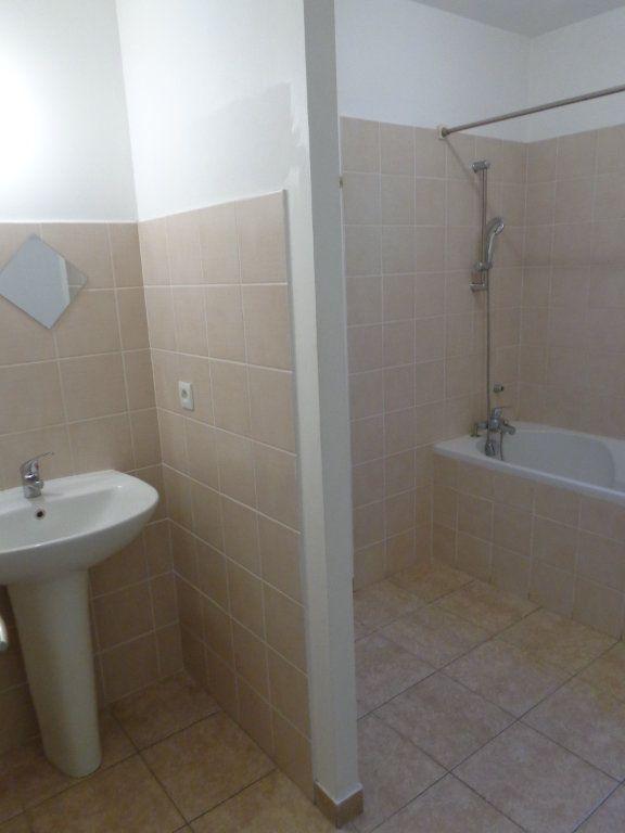 Maison à louer 4 89.82m2 à Saint-Jean-de-Maruéjols-et-Avéjan vignette-11