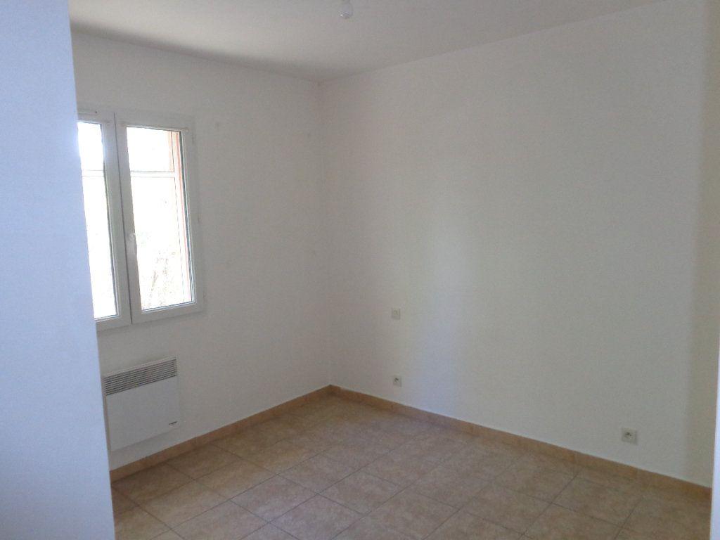 Maison à louer 4 89.82m2 à Saint-Jean-de-Maruéjols-et-Avéjan vignette-12