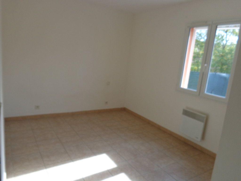 Maison à louer 4 89.82m2 à Saint-Jean-de-Maruéjols-et-Avéjan vignette-14
