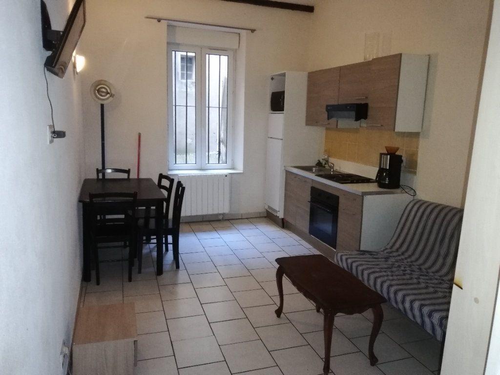 Appartement à louer 2 31.34m2 à Saint-Ambroix vignette-1