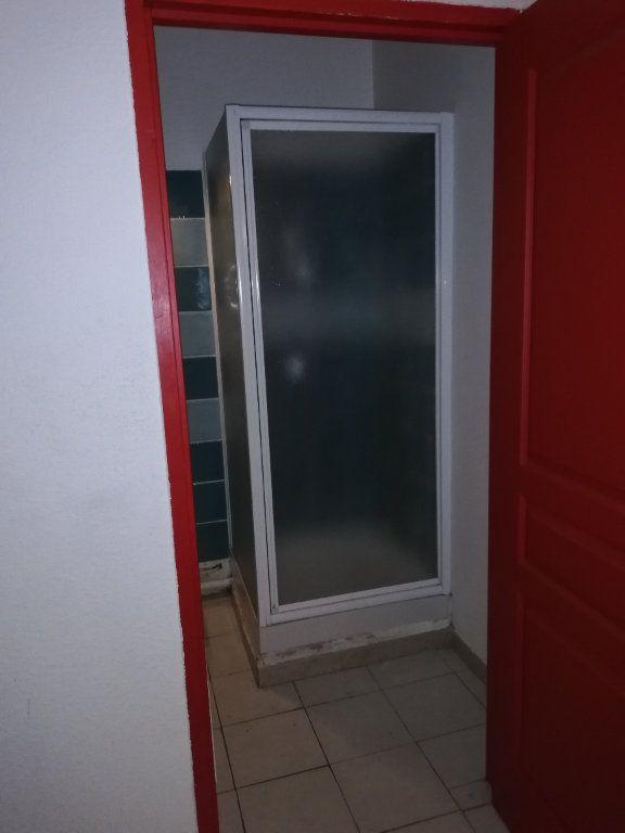 Appartement à louer 2 31.34m2 à Saint-Ambroix vignette-3