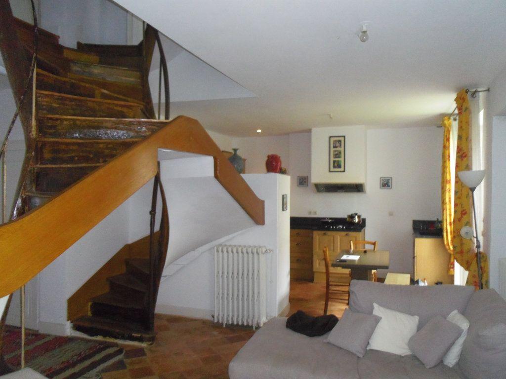 Maison à vendre 8 186m2 à Fresnay-sur-Sarthe vignette-4