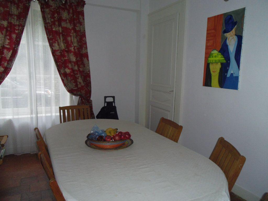 Maison à vendre 8 186m2 à Fresnay-sur-Sarthe vignette-5