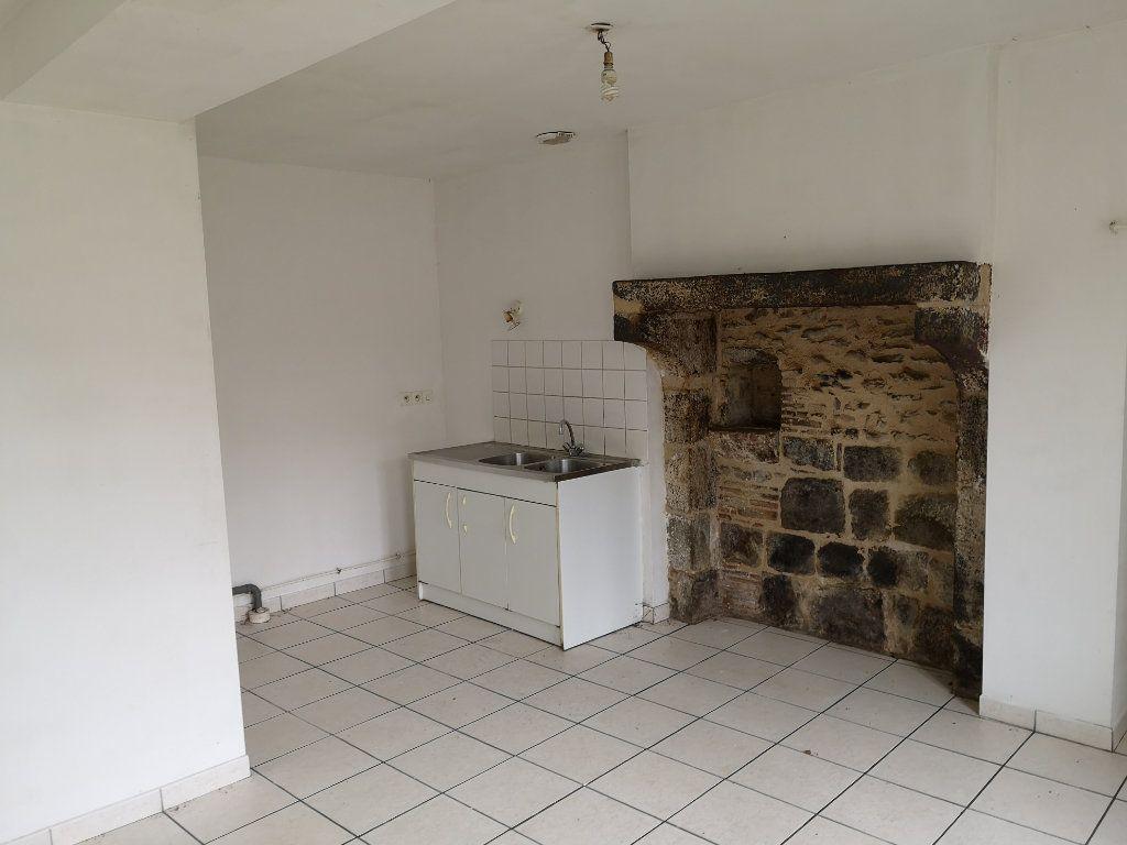 Maison à vendre 5 150m2 à Sougé-le-Ganelon vignette-2