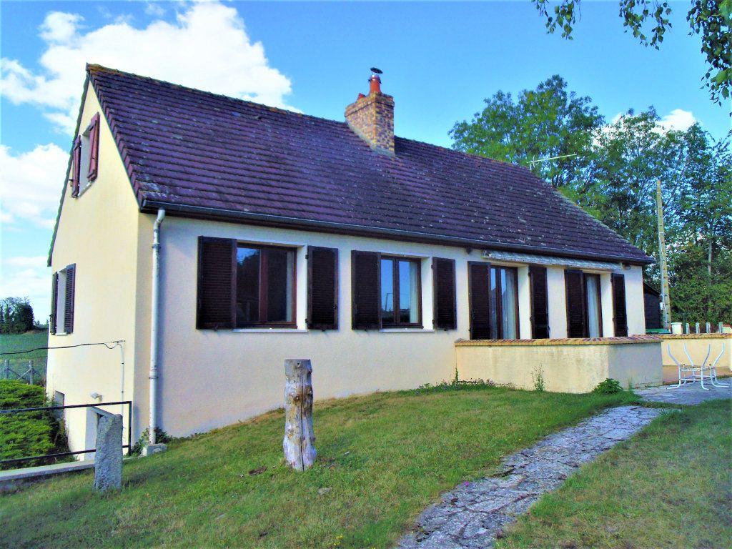 Maison à vendre 5 95m2 à Sougé-le-Ganelon vignette-1