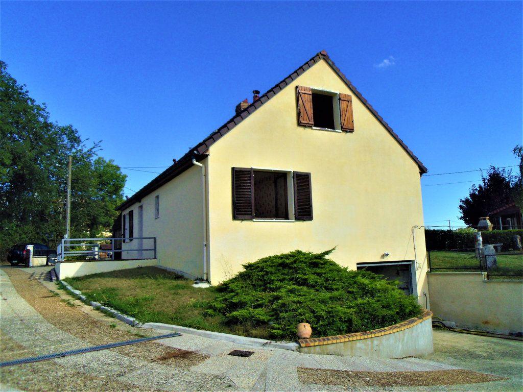 Maison à vendre 5 95m2 à Sougé-le-Ganelon vignette-2