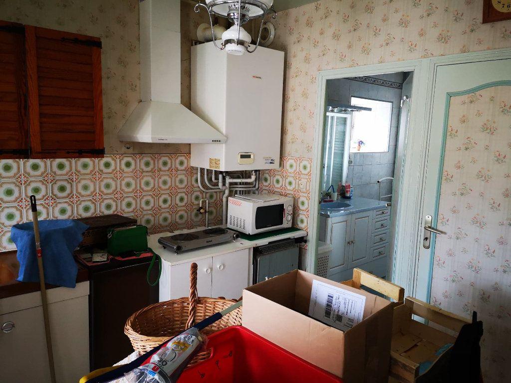 Maison à vendre 4 100m2 à Fresnay-sur-Sarthe vignette-3